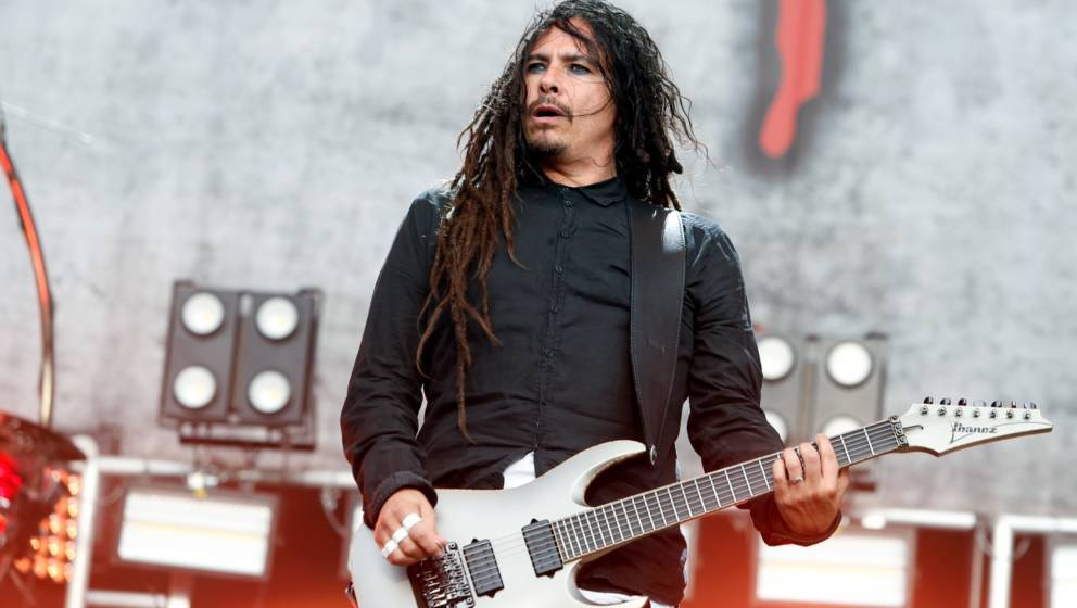 READING, ENGLAND - AUGUST 26:  James Shaffer of Korn performs at Reading Festival at Richfield Avenue on August 26, 2017 in R