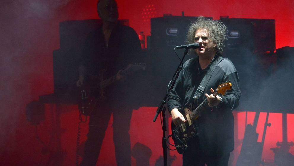 LONDON, ENGLAND - JUNE 24:  Curator Robert Smith of The Cure performs live on stage during CURÆTION-25 as part of his Meltdo