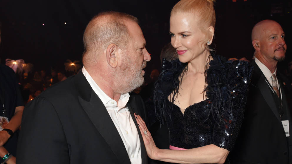 CAP D'ANTIBES, FRANCE - MAY 25:  Harvey Weinstein (L) and Nicole Kidman attend the amfAR Gala Cannes 2017 at Hotel du Cap-Ede