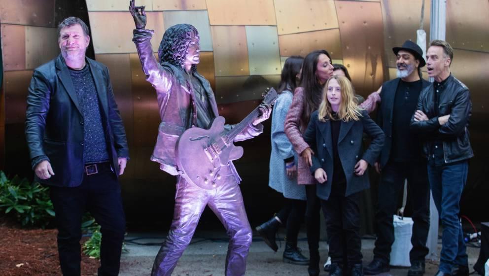 SEATTLE, WA - OCTOBER 07: Ben Shepherd of Soundgarden, Lily Cornell, Vicky Cornell, Christopher Cornell, Kim Thayil and Matt
