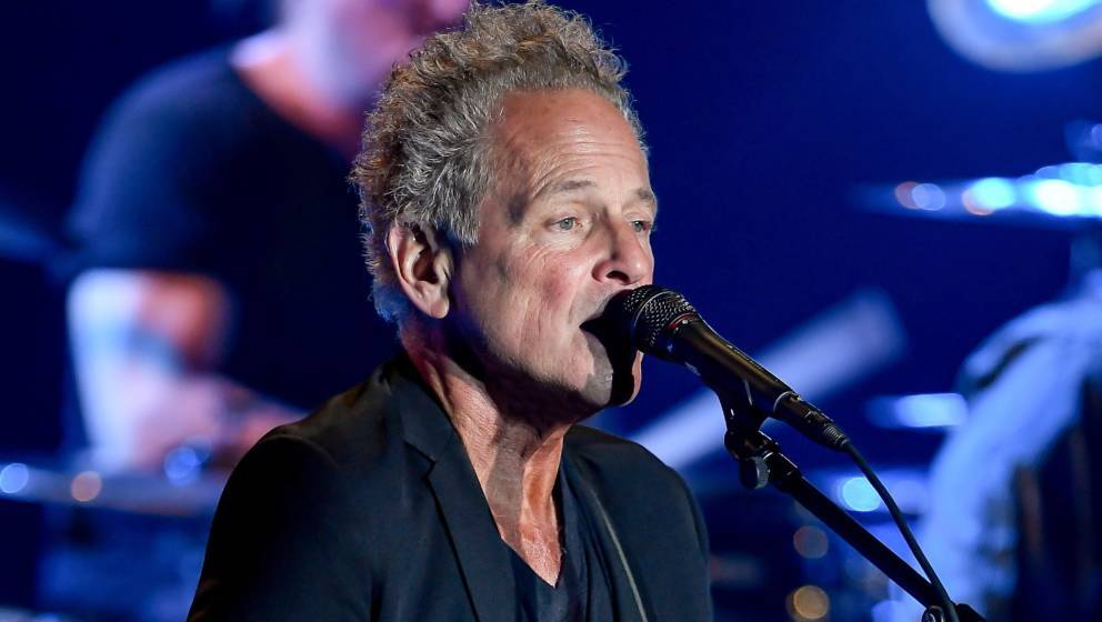 SAN FRANCISCO, CA - OCTOBER 09:  Singer and Musician Lindsey Buckingham performs in support of his Solo Anthology: The Best o