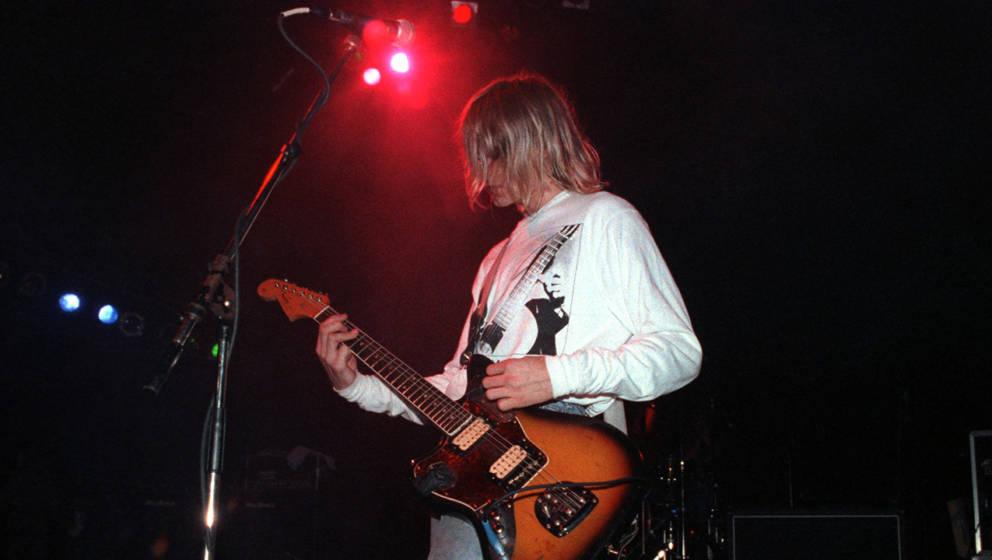 Kurt Cobain mit seiner Fender Jaguar.