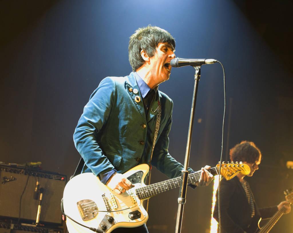 Johnny Marr, Gründungsmitglied von The Smiths, spielt besonders in seinem Projekt Modest Mouse eine Fender Jaguar.