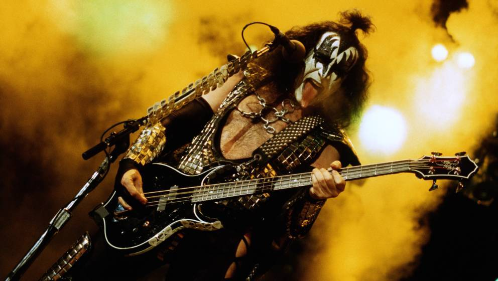 INGLEWOOD, CA - AUGUST 23:  Gene Simmons bassist and singer for the rock band KISS performs at the Great Western Forum in Ing
