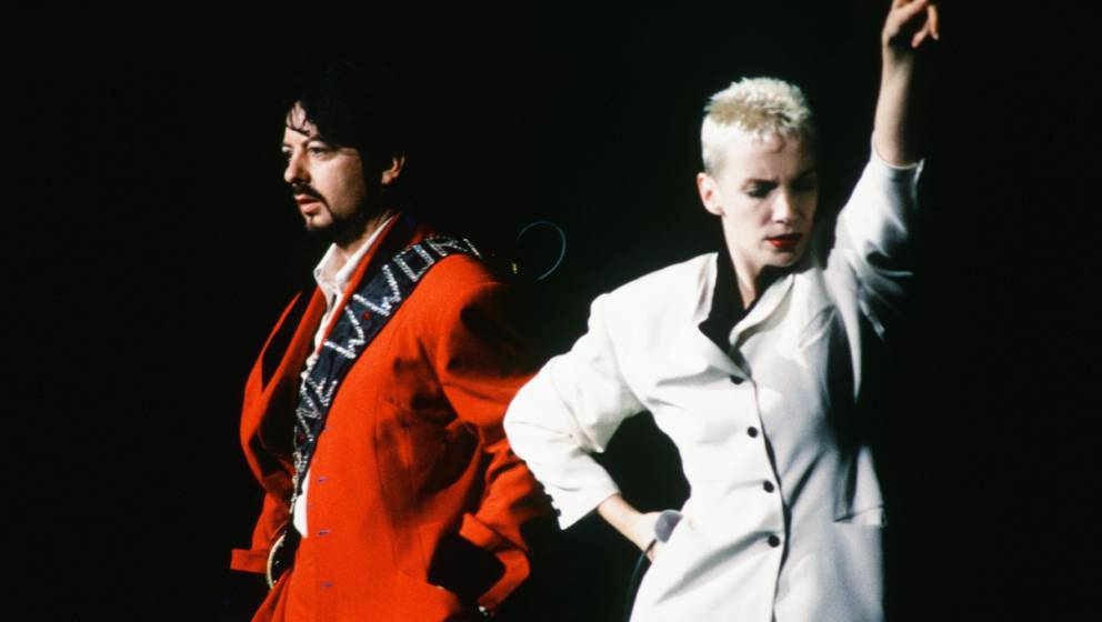 Eurythmics live at Yokohama Arena, Yokohama, January 27, 1989. (Photo by Koh Hasebe/Shinko Music/Getty Images)