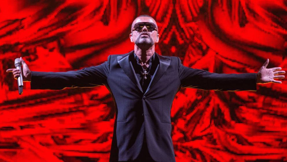 PARIS, FRANCE - SEPTEMBER 09: George Michael performs at Palais Garnier on September 9, 2012 in Paris, France. (Photo by Davi