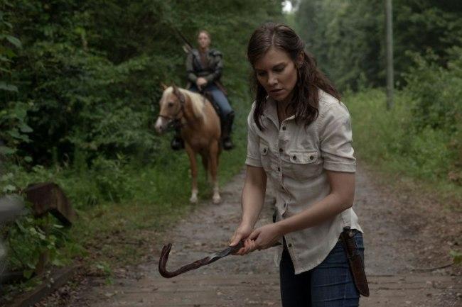 Lauren Cohan as Maggie Rhee, Kerry Cahill as Dianne- The Walking Dead _ Season 9, Episode 5 - Photo Credit: Jackson Lee Dav