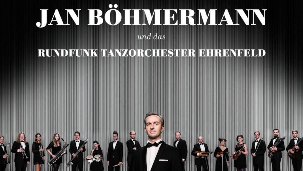 Jan Böhmermann mit seinem Orchester