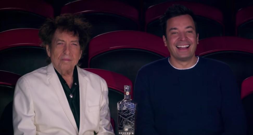 Bob Dylan und Jimmy Fallon beim Whiskeytrinken