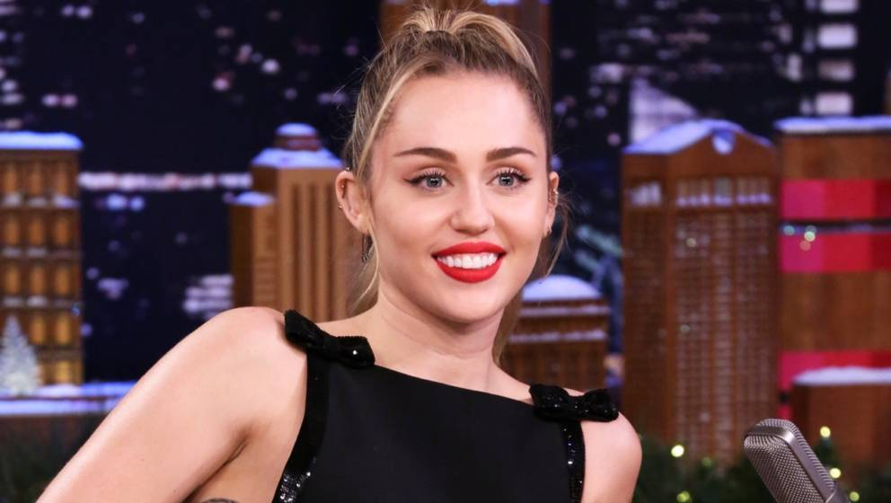 THE TONIGHT SHOW STARRING JIMMY FALLON -- Episode 0981 -- Pictured: Singer Miley Cyrus during an interview on December 13, 20