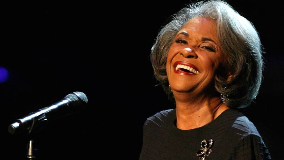 LOS ANGELES, CA - OCTOBER 28:  Recording artisit Nancy Wilson performs during the Thelonious Monk Jazz Tribute Concert For He