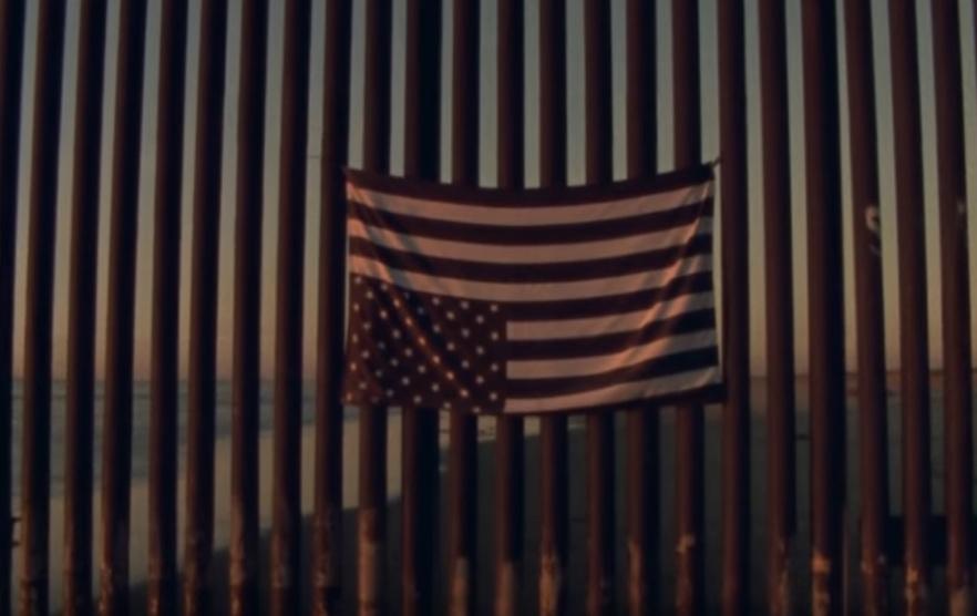 """Das Video zu """"Land Of The Free"""" zeigt das Leben von Migranten an der Grenze zwischen den USA und Mexiko"""