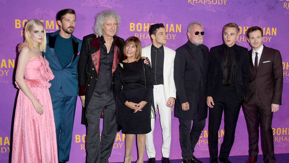 """Bohemian Rhapsody""-Cast und -Produzenten: Lucy Boynton, Gwilym Lee, Brian May, Kashmira Cooke, Rami Malek, Roger Taylor, Ben Hardy and Joe Mazzello"