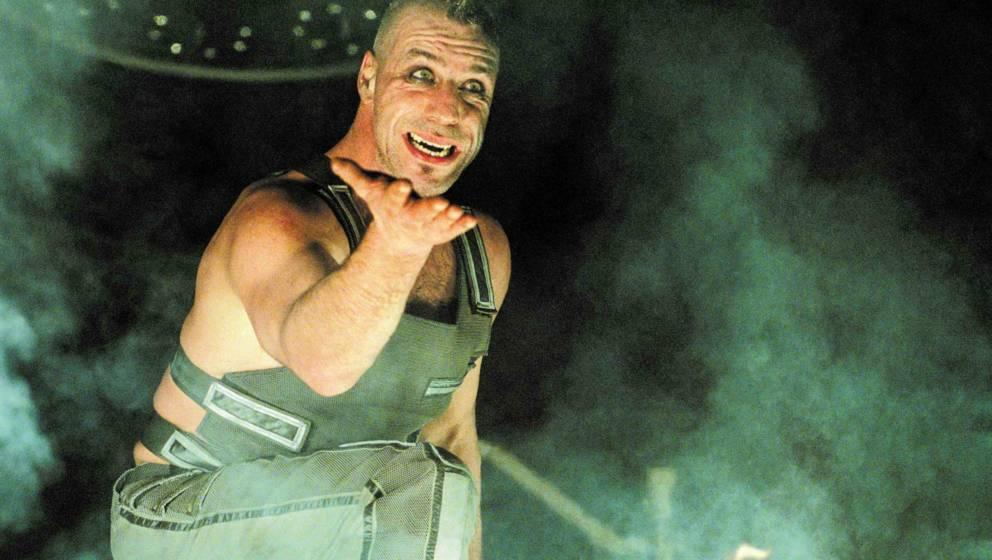 """Rammstein: Video zu """"Radio"""" feiert geheime Live-Premiere (aber ohne Ton)"""