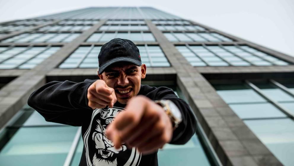 HANDOUT - Undatiert, Berlin: Der Rapper Capital Bra. Er hat mit «Berlin Lebt» die Spitze der deutschen Album-Charts überno
