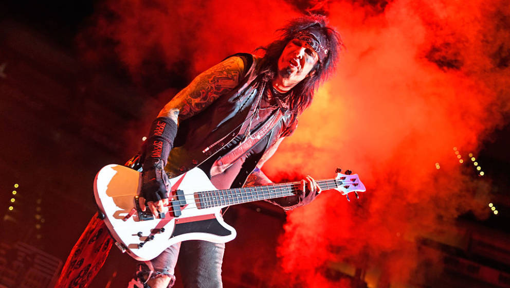 LOUISVILLE, KY - NOVEMBER 18:  Nikki Sixx of Sixx:A.M. performs at KFC YUM! Center on November 18, 2016 in Louisville, Kentuc