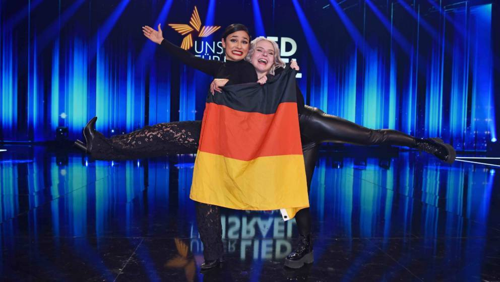 BERLIN, GERMANY - FEBRUARY 22: Carlotta Truman and Laurita Spinelli of the duo S!sters after winning the ARD TV show 'Unser L