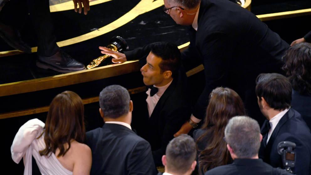 Plötzlich fand sich Rami Malek vor der Oscar-Bühe auf dem Boden wieder