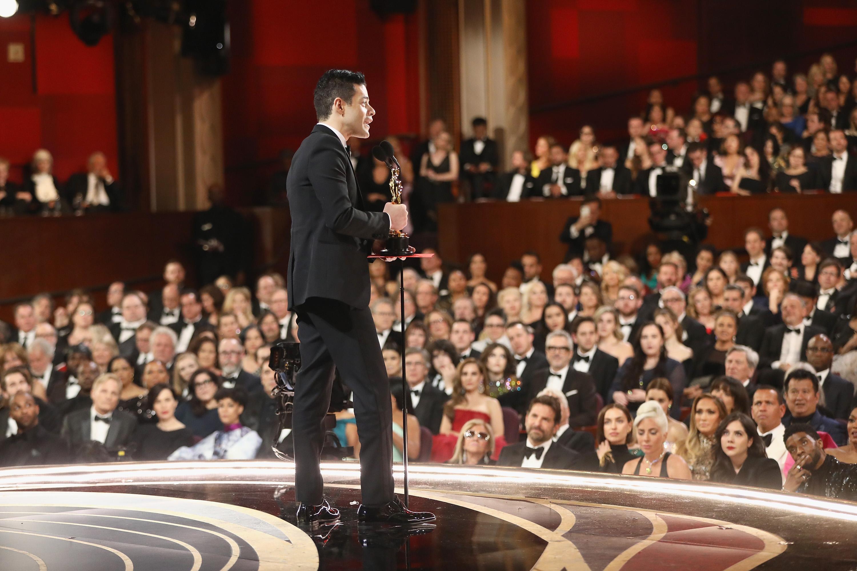 Rami Malek stolz mit Oscar und mit wichtigen Worten fürs Publikum