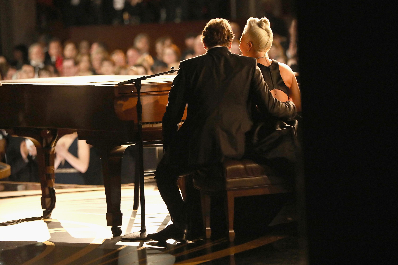 """Bradley Cooper und Lady Gaga präsentieren """"Shallow"""" bei den Oscars"""