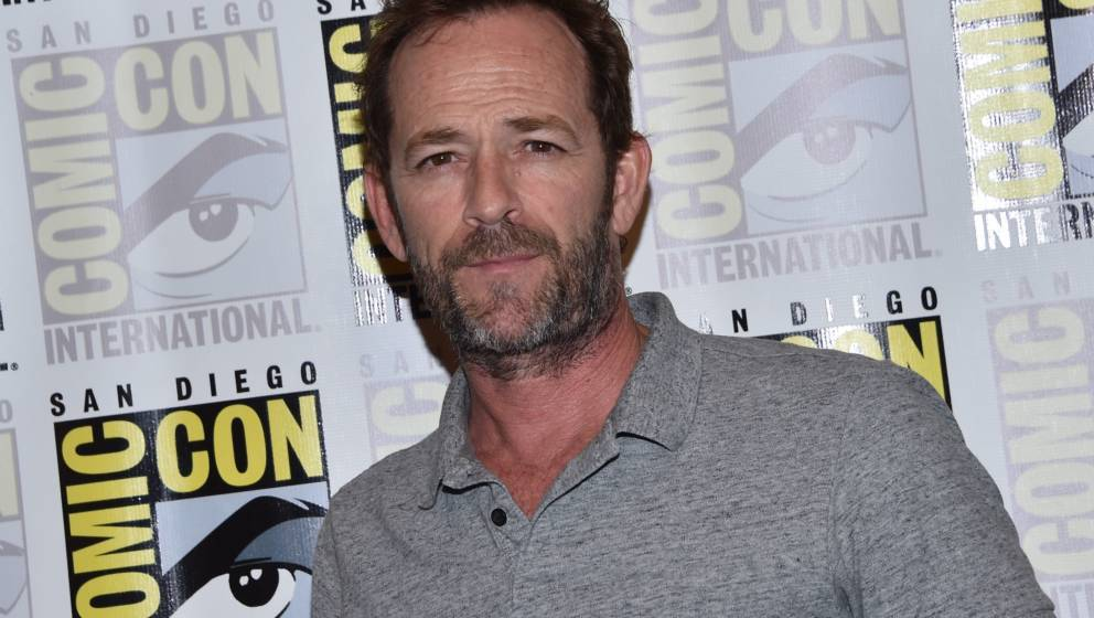 Actor Luke Perry arrives for the press line of 'Riverdale' at Comic Con in San Diego, July 21, 2018. (Photo by CHRIS DELMAS /