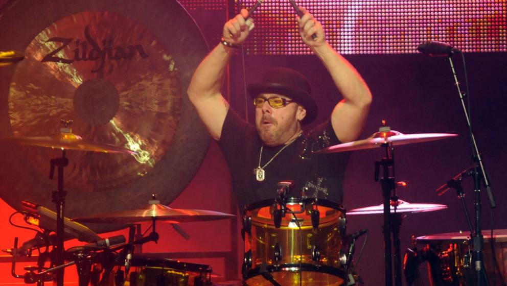 HOLLYWOOD - NOVEMBER 23:  Drummer Jason Bonham, of  Jason Bonham's Led Zeppelin Experience performing at The Pantages Theatre