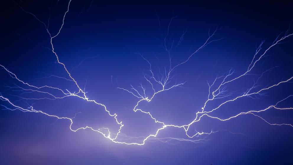 Auf Festivals muss auch mit Unwetter gerechnet werden – so verhält man sich bei Gewitter richtig