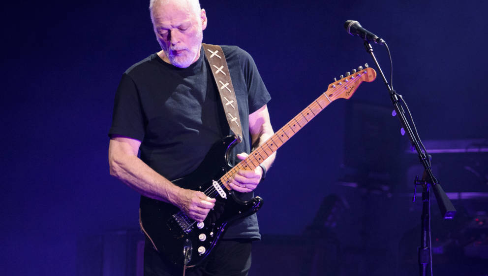 NEW YORK, NEW YORK - APRIL 12:  David Gilmour performs live on stage at Madison Square Garden on April 12, 2016 in New York C