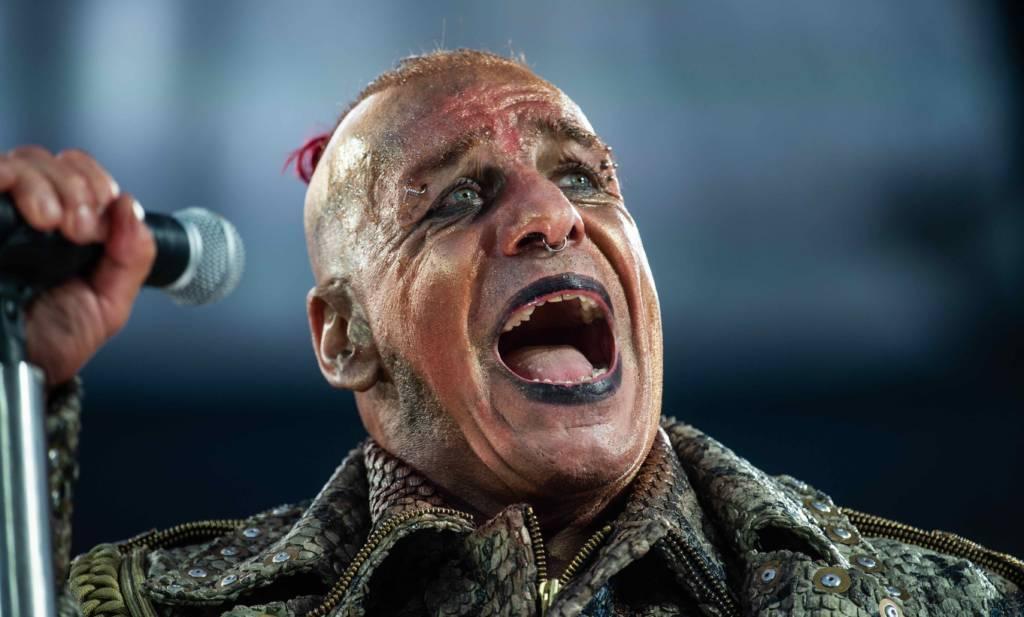 """Rentner tanzen sich mit """"Ich will"""" von Rammstein..."""