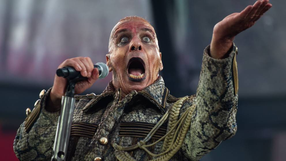 02.07.2019, Niedersachsen, Hannover: Till Lindemann, Frontsänger von Rammstein, tritt beim Konzert der Band Rammstein in der