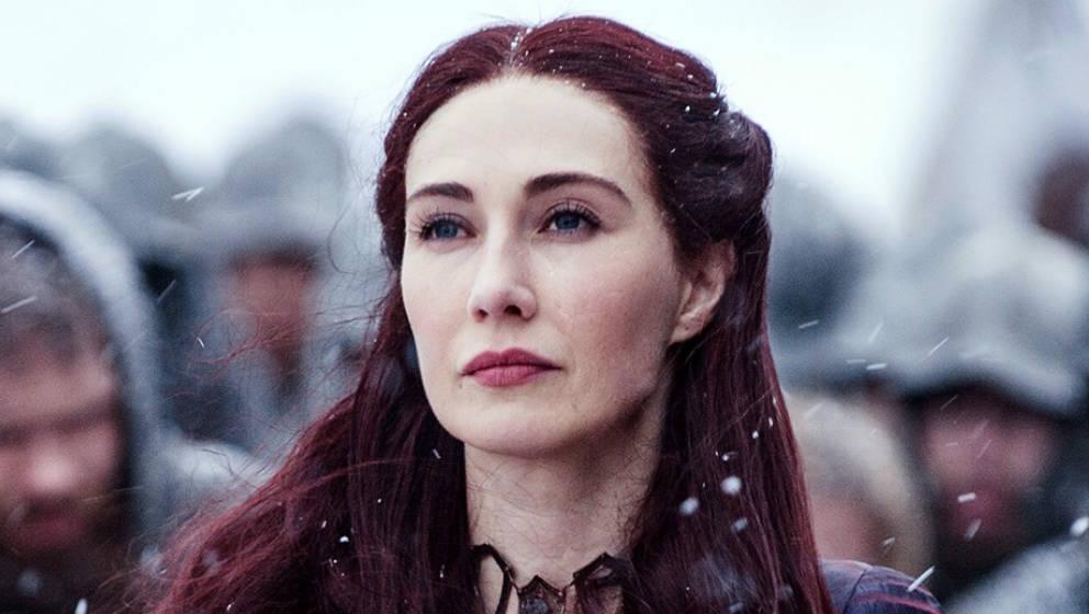 Carice van Houten als Priesterin Melisandre.