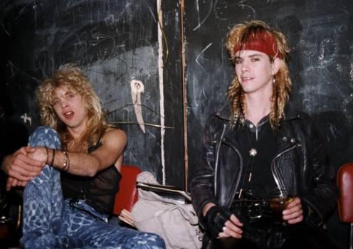 1986: Steven Adler und Duff McKagan von Guns N' Roses.
