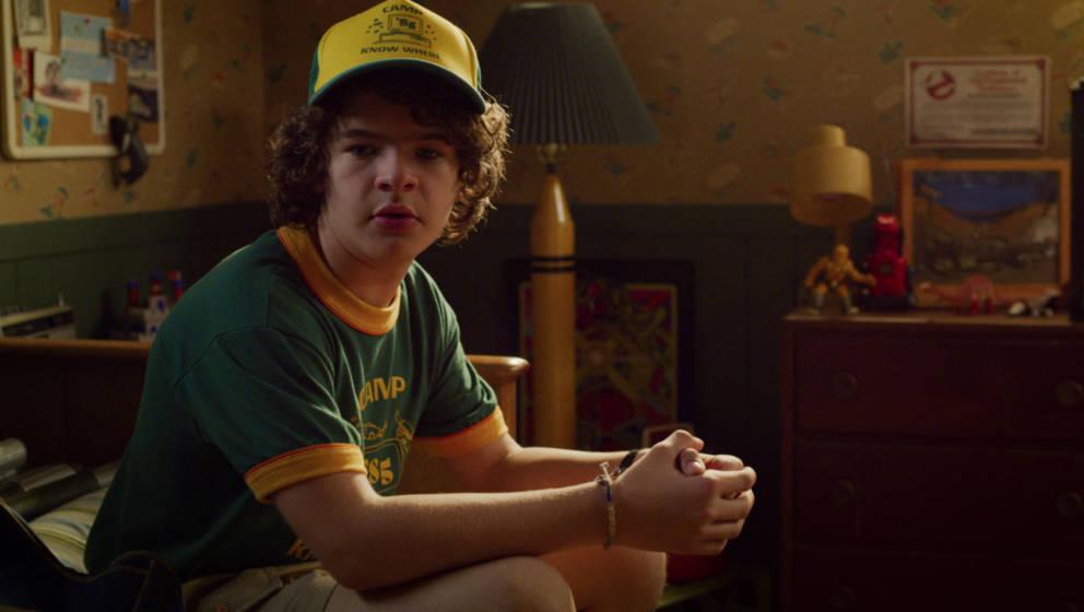 """Singt heimlich gerne, vor Freunden aber nur, wenn die Welt sonst zugrunde geht: Dustin (Gaten Matarazzo) in """"Stranger Things 3"""""""