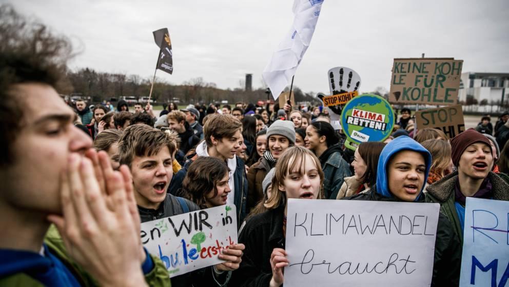 """""""Fridays For Future""""-Bußgelder: So viel kostet Schule schwänzen für das Klima"""