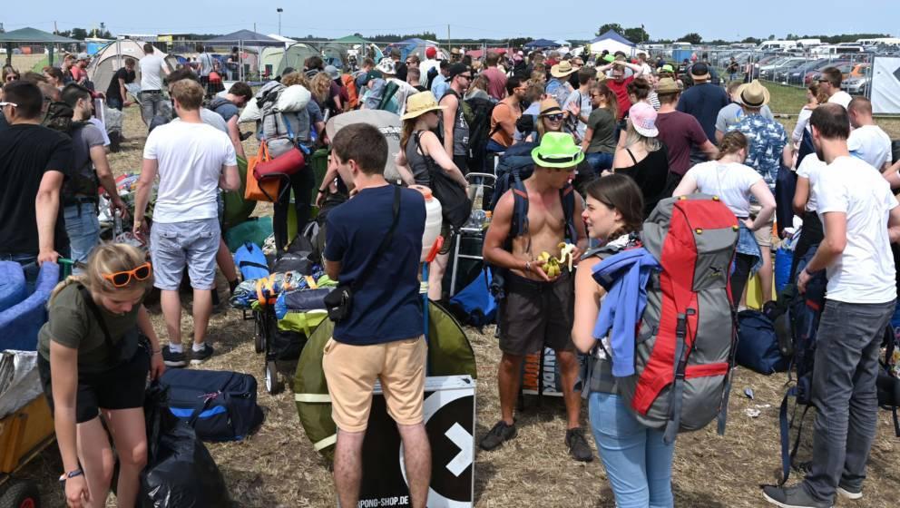 Besucher des Deichbrand Festivals in Cuxhaven