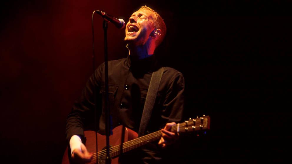 Coldplay-Sänger Chris Martin jauchzt und fleht