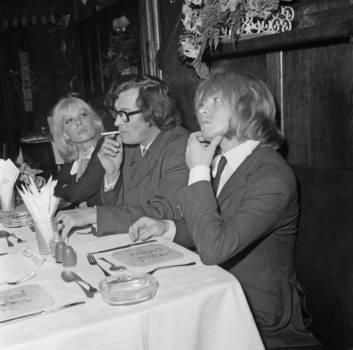 Brian Jones mit Freundin Suki Potier und Tour-Manager Tom Keylock
