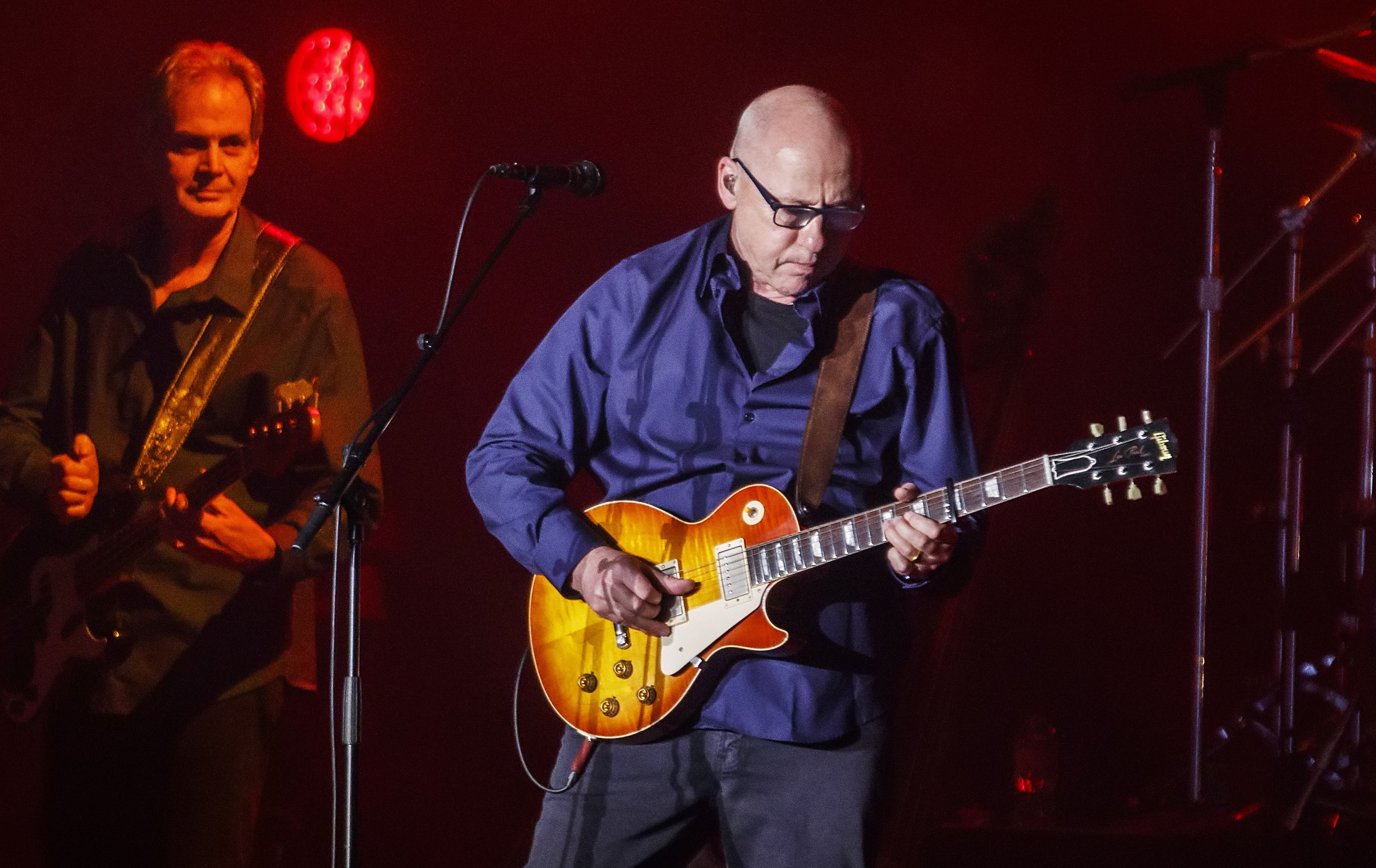 Mark Knopfler in action - hier live in Barcelona