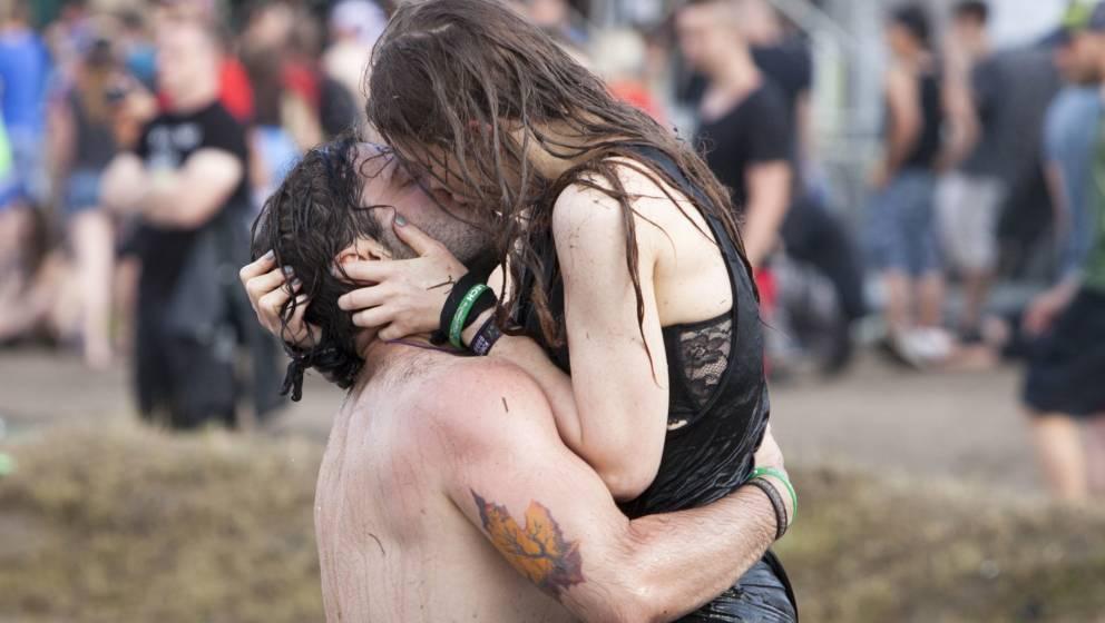 Etwa jede(r) Zweite Umfrageteilnehmer wünschte sich eine Spielwiese für die Liebe auf Festivals