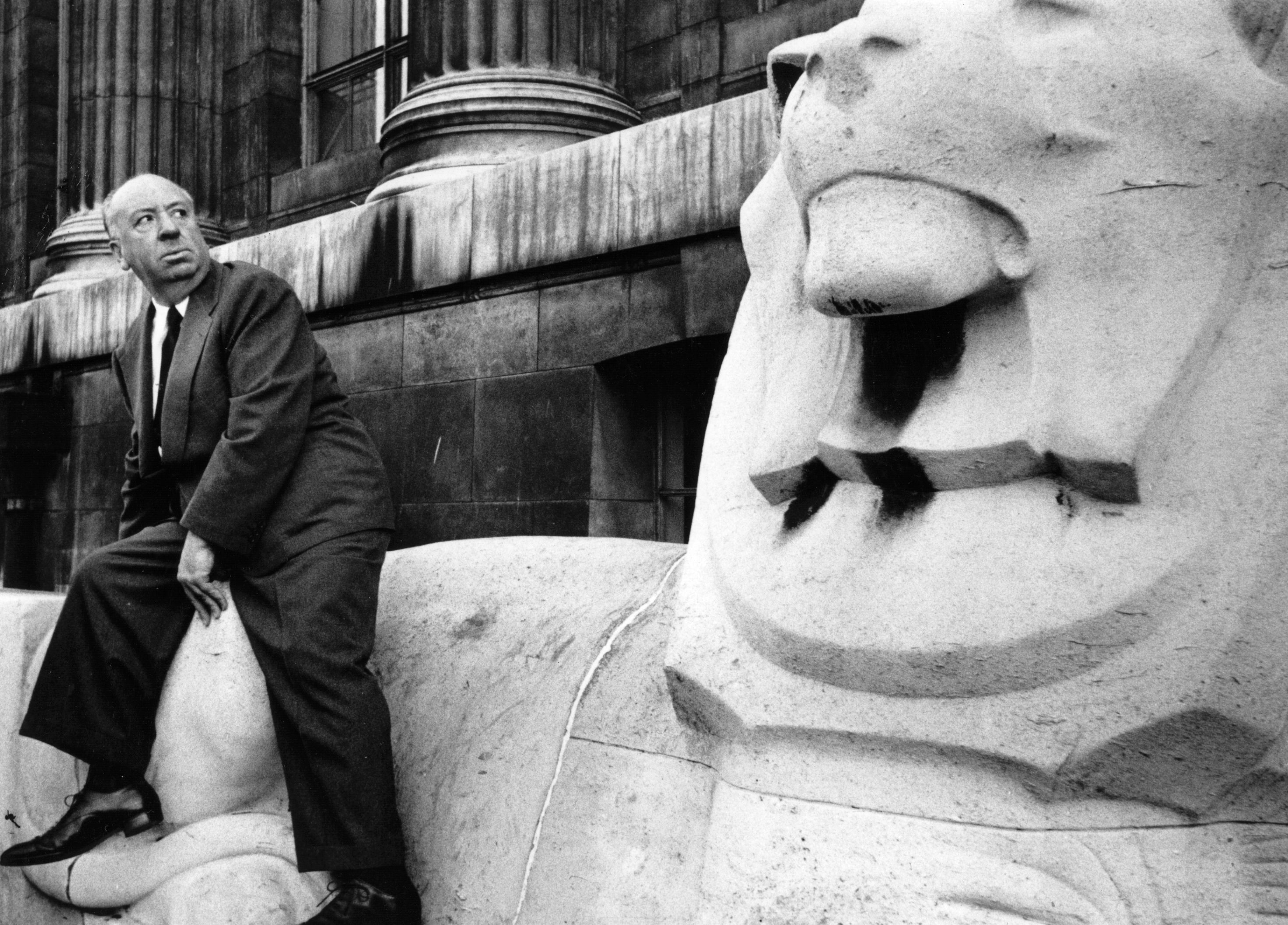 Ein wenig sah sich Hitchcock in der öffentlichen Wahrnehmung auch als Slapstickfigur in der Nachfolge Buster Keatons