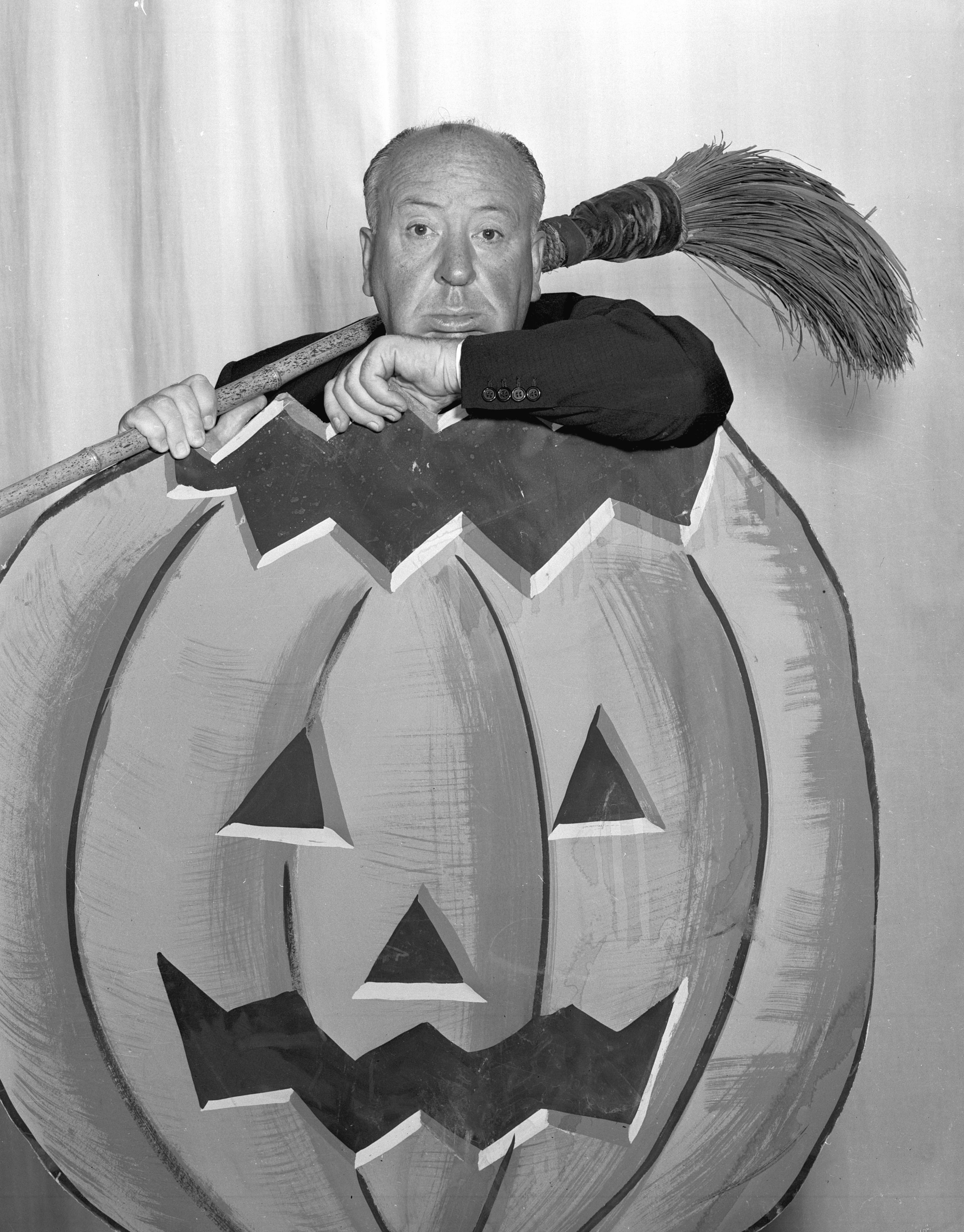Auf Werbebildern leistete sich Hitchcock den Luxus, seinen britischen Humor voll und ganz zur Geltung kommen zu lassen