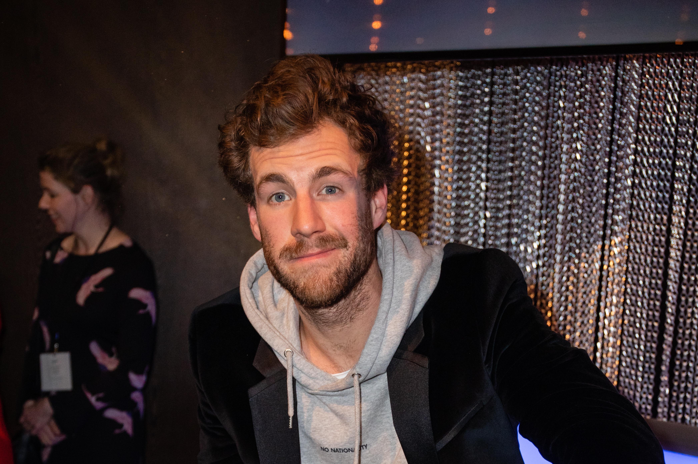 """Legte beim """"ZDF Fernsehgarten""""einen skurrilen Auftritt hin: Luke Mockridge"""