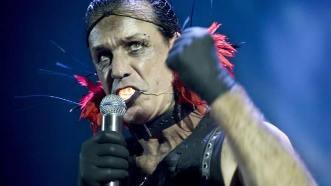 """Rammstein: 9-Jährige singt """"Du Hast"""" für den guten Zweck"""