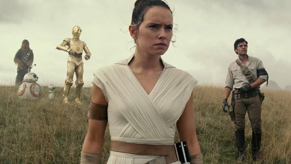 Chewbacca, BB-8, C-3PO, Rey und Poe in einer Szene aus Star Wars 9: Der Aufstieg Skywalkers