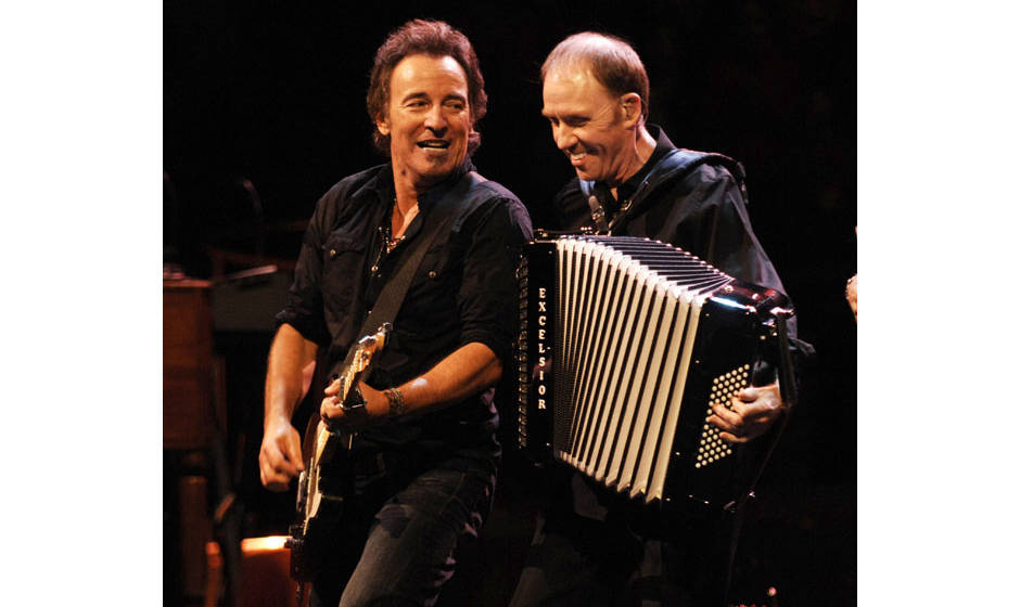 (EXCLUSIVE, Premium Rates Apply) BOSTON - NOVEMBER 19:  Bruce Springsteen and Organ/Accordian player Danny Federici perform w