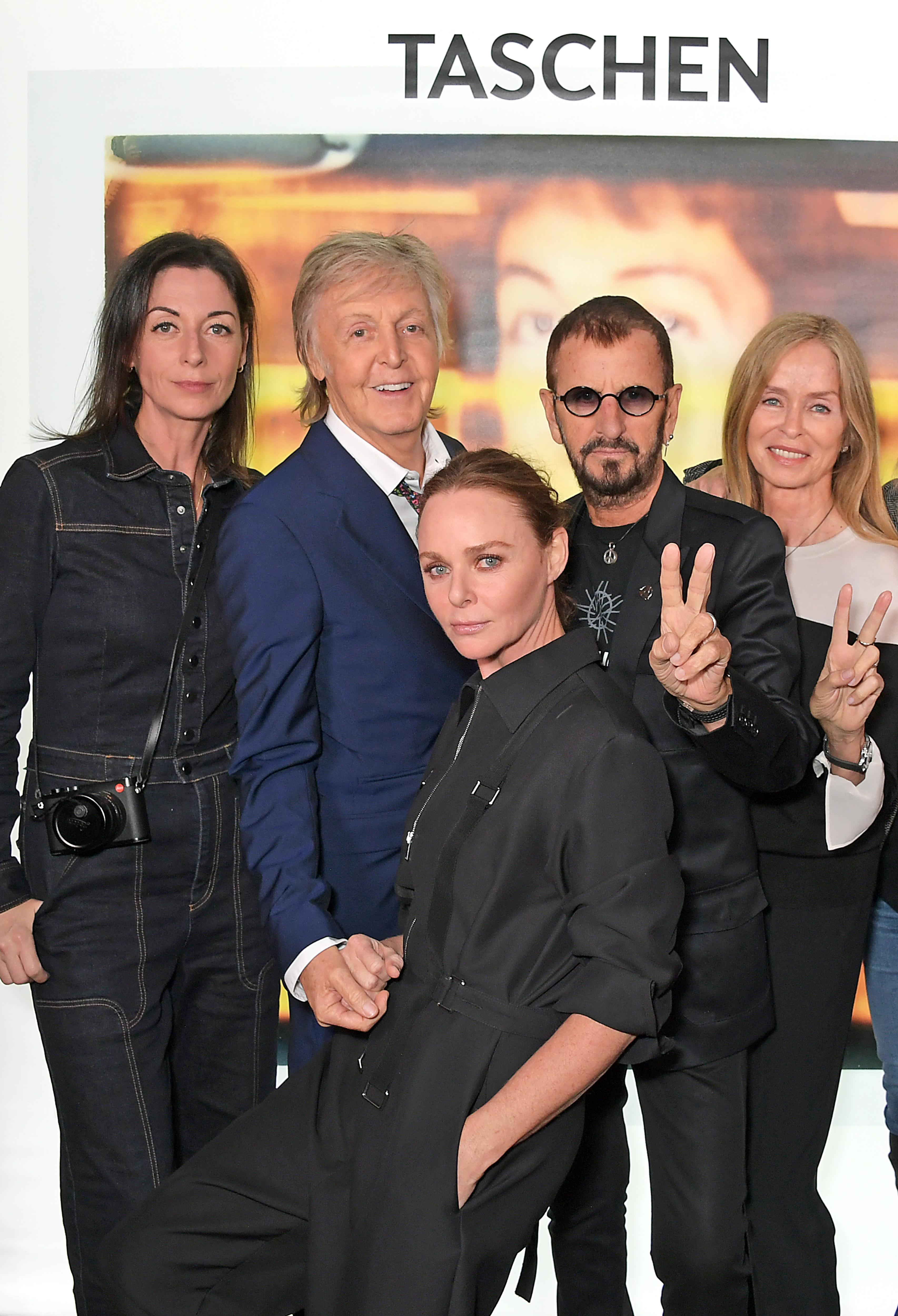 Mary, Paul, Stella McCartney mit Ringo Starr und Barbara Bach