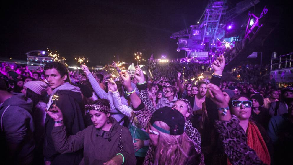 The concert crowd seems to enjoy the live concert with the American hip-hop duo Macklemore & Ryan Lewis at Splash Festiva