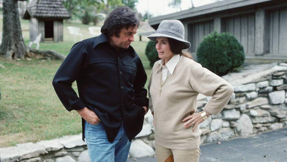 LOS ANGELES - JUNE 1: Johnny Cash and his wife, June Carter Cash. 1978. (Photo by CBS via Getty Images)