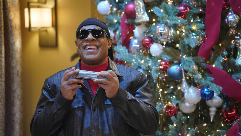 Stevie Wonder bei einem Christmas Special der NBC