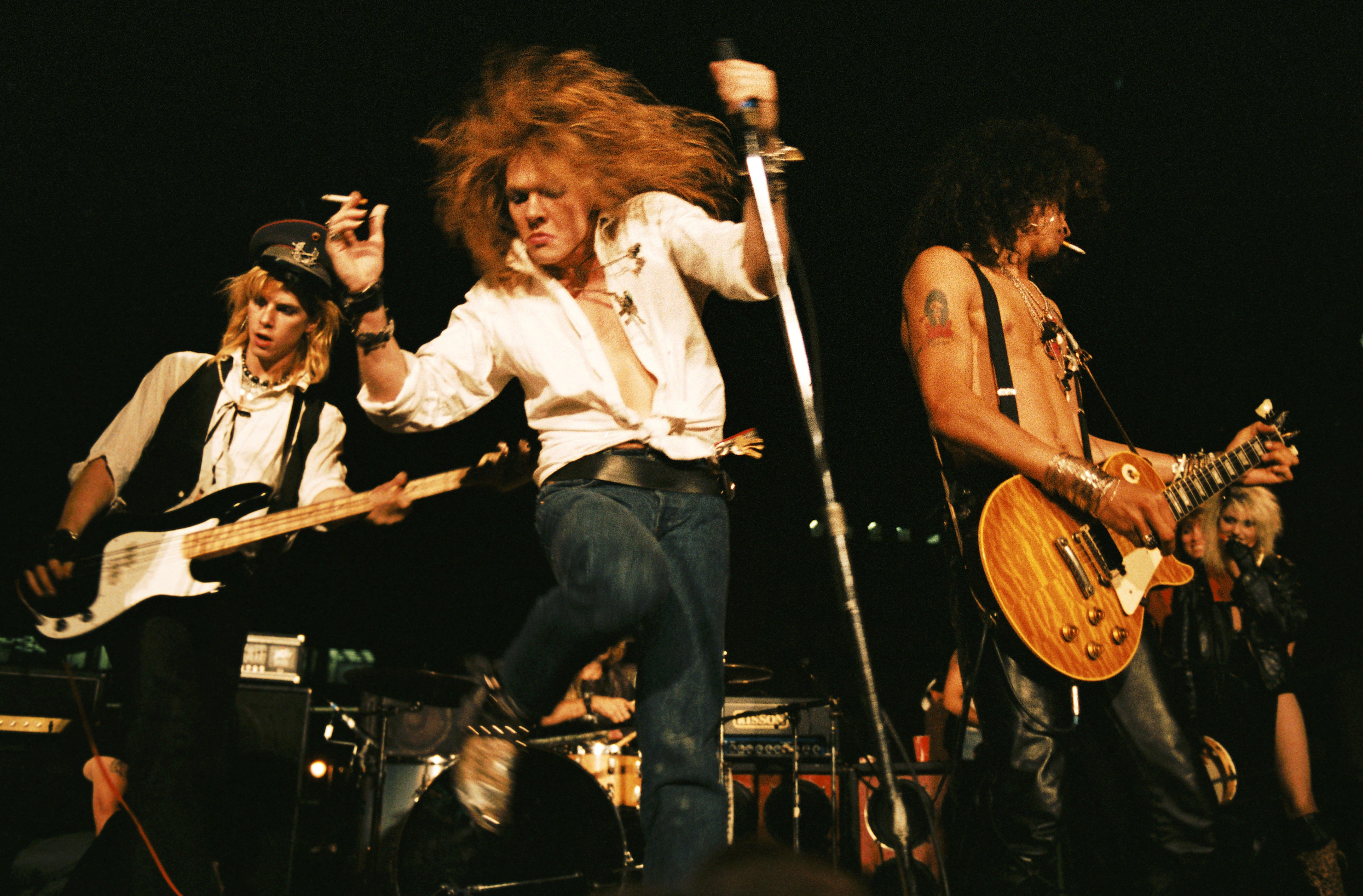 """Guns N'Roses """"Sweet Child O' Mine"""" ist erstes Musikvideo aus den 80ern mit 1 Milliarde..."""